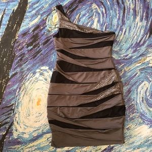 SOLD City Triangles Macy's Wrap Embellished NWOT